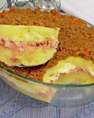 Polenta de travessa com presunto e queijo