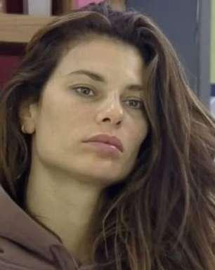 """Em """"A Fazenda 13"""", Dayane não teme a roça: """"Tenho público mundial"""""""