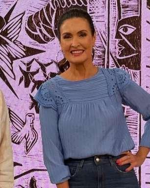 Truque alongador: Fátima Bernardes usa bata por dentro do jeans