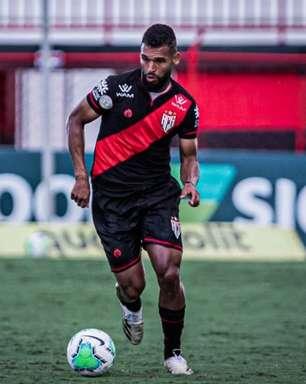 Líder em dois quesitos no Atlético-GO, Willian Maranhão projeta duelo contra o Fortaleza