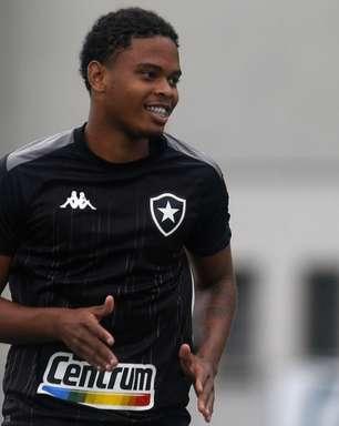 Com proposta do Emirates Club, Lucas Mezenga pede rescisão com o Botafogo junto à Justiça