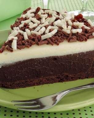 Aprenda a fazer uma torta de chocolate que derrete na boca