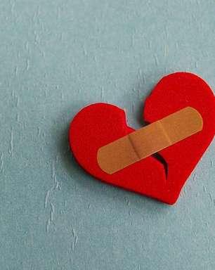 4 simpatias para superar o fim da relação e esquecer o ex