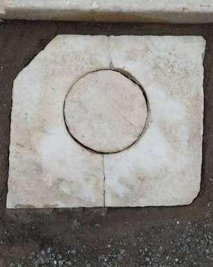 Parque Arqueológico de Pompeia registra furto de peça de mármore