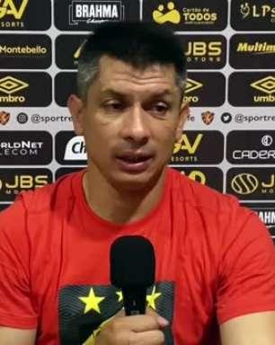 """SPORT: Gustavo Florentín exalta esforço dos jogadores nos últimos jogos após vitória sobre o Juventude: """"Estou orgulhoso deles"""""""
