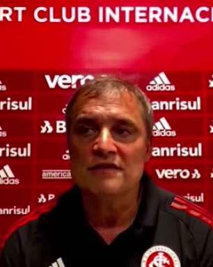"""INTERNACIONAL: Aguirre diz que sempre busca variações para equipe, elogia partida de Patric e reforça: """"minha obrigação é buscar soluções para que o time jogue melhor"""""""