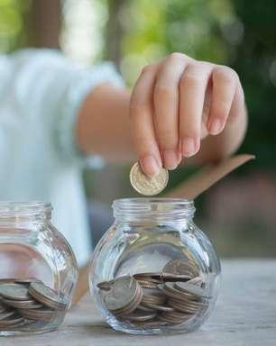 Dia das Crianças: quais os benefícios de ensinar os pequenos a poupar desde cedo?