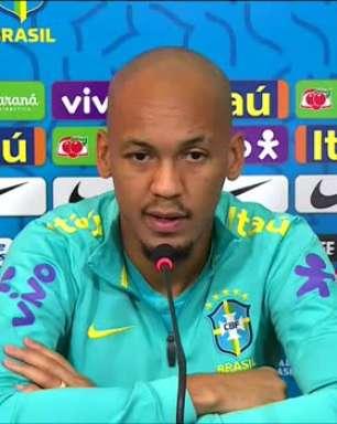 """SELEÇÃO: Fabinho projeta duelo contra o Uruguai: """"Creio que será um bom jogo"""""""