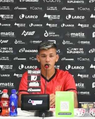 """VITÓRIA: Eduardo comemora gol da vitória sobre o Sampaio Corrêa e que mantém acesa a esperança da permanência na Série B: """"Felicidade imensa"""""""