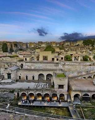 Arqueólogos descobrem esqueleto de 'fugitivo' em Herculano