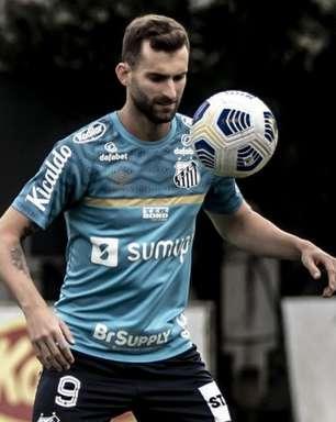 Léo Baptistão tem lesão na panturrilha e não enfrenta o Sport