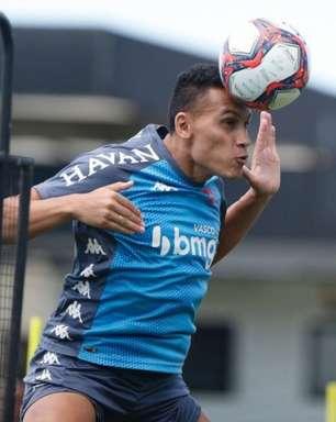 Antes de enfrentar o Coritiba pela Série B, Vasco treina com novidades em São Januário