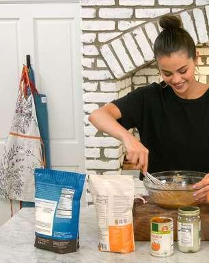 Selena+Chef vs. Cooking With Paris: Qual dos dois shows culinários leva a melhor?