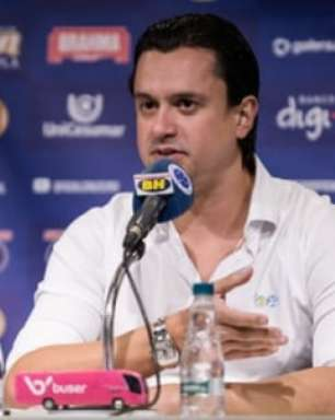 Presidente do Cruzeiro fala sobre reunião com atletas e nega que haja 6 meses de atrasos de funcionários
