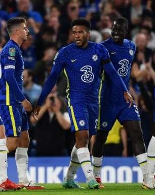 Chelsea vence e assume a liderança do Campeonato Inglês