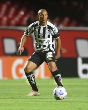 Com Jandrei e Sánchez, Santos treina de olho na partida contra o Sport