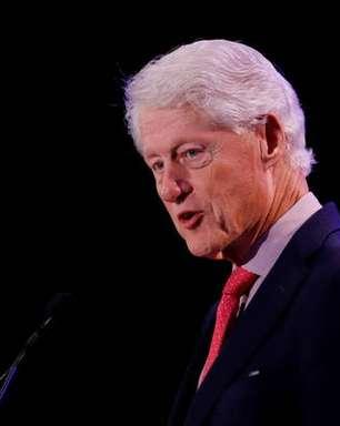 Bill Clinton recebe alta e deixa hospital na Califórnia
