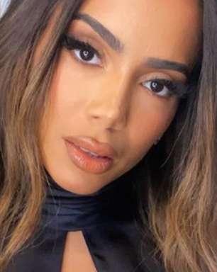 Nos EUA, Anitta abre o jogo sobre vida financeira