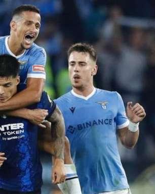 Brasileiro da Lazio pede desculpas por ter pulado sobre jogador da Inter para comemorar vitória