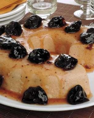 Sobremesas com ameixa para quem ama a fruta