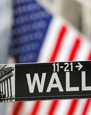 Ibovespa reverte e sobe, de carona em Wall Street