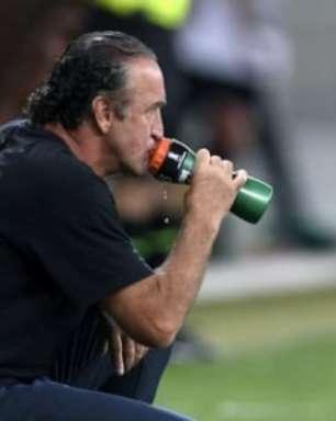 Cuca garante 'cobranças internas' e promete reação imediata após derrota para o Atlético-GO