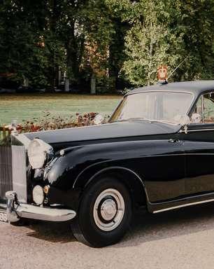 A história por trás da icônica linhagem de carros pretos da Rolls-Royce