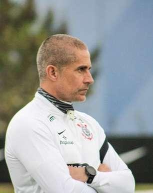 Sylvinho lamenta primeiro revés em clássico com o Corinthians e nega que jovens 'tremeram' em partidas fora