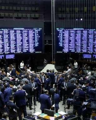 Lira anuncia volta das atividades presenciais na Câmara