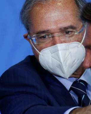 Por que Auxílio Brasil de R$ 400 fez dólar subir e bolsa desabar