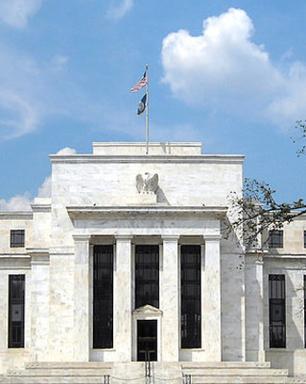 Inflação seguirá alta e emprego pode demorar para se recuperar, diz diretora do FED