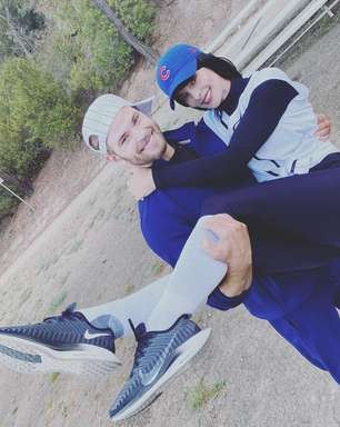 "Kellan Lutz e Ashley Greene revivem personagens de ""Crepúsculo"" no Instagram"