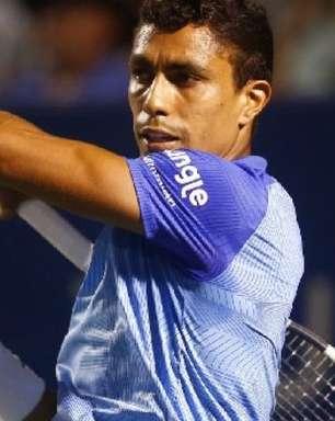 Após ser roubado no hotel, Monteiro vence e faz quartas em Buenos Aires