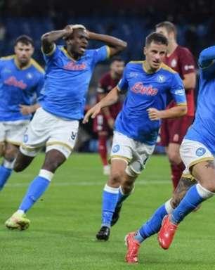 Napoli domina o Legia Varsóvia e vence pela Liga Europa