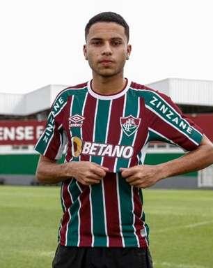Fluminense estende contrato de Alexsander até 2026