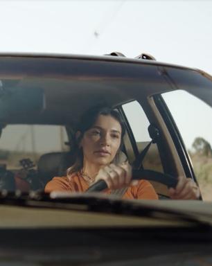 Itaú lança 'Tag' com campanha irônica envolvendo o pedágio