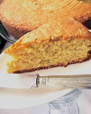 Asse um bolo de amendoim beeem brasileiro!