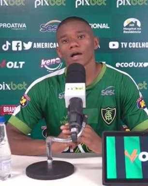 """AMÉRICA-MG: Juninho prevê jogo difícil na Vila contra o Santos, mas garante: """"Temos de estar bastante concentrados, pois preparados já estamos"""""""