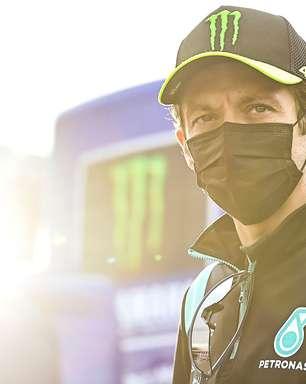 """Rossi celebra longa carreira e agradece fãs por """"apoio incrível ao redor do mundo todo"""""""