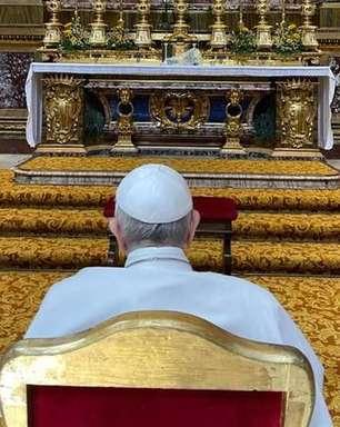 Francisco diz que não é fácil ser Papa e pede orações