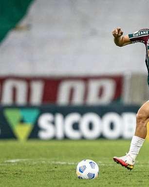 Herói do último Fla-Flu, André revela emoção com torcida e se declara: 'O Fluminense é tudo para mim'