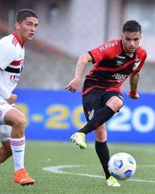 João Pedro projeta duelo decisivo pelo Brasileirão Sub-20 contra o São Paulo