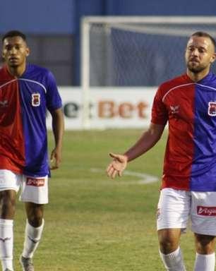 Gabriel Pires avalia temporada do Paraná e destaca: 'Batalhamos em todos os jogos'
