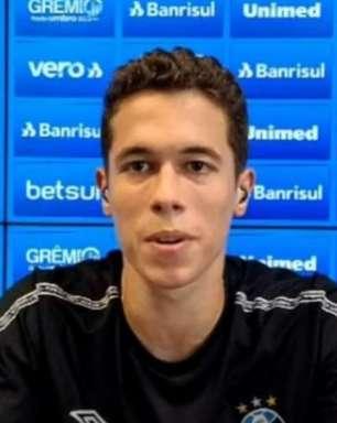 Brenno elogia 'novo' ambiente do Grêmio com Mancini