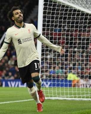 Com hat-trick de Salah, Liverpool goleia Manchester United