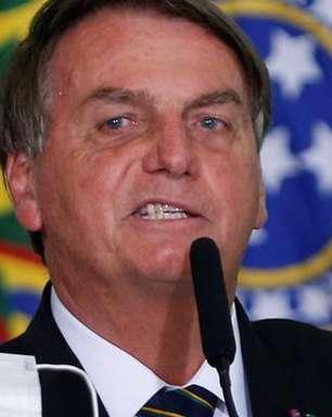 Facebook exclui live de Bolsonaro relacionando vacina a Aids