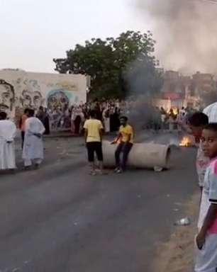 Militares dão golpe de Estado no Sudão e prendem premiê