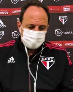 SÃO PAULO: Ceni defende Luciano como segundo atacante e reconhece possibilidade dele jogar junto com Calleri e Rigoni no ataque