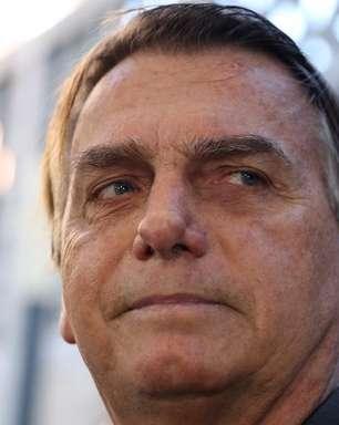 Bolsonaro faz live com venezuelanos em dia de votação da CPI
