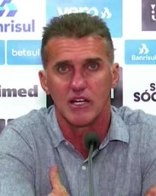 """GRÊMIO: Mancini tenta explicar derrota, vê postura diferente do time no primeiro tempo e destaca: """"não vamos chegar com uma varinha magica e corrigir todos os erros"""""""